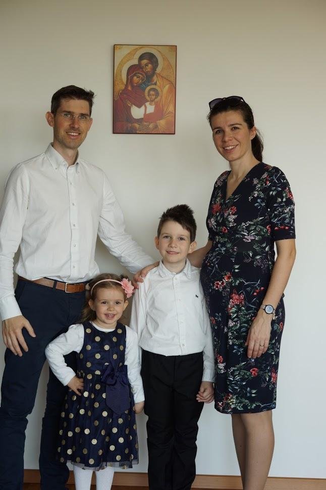 Iva Ambrušová s rodinou
